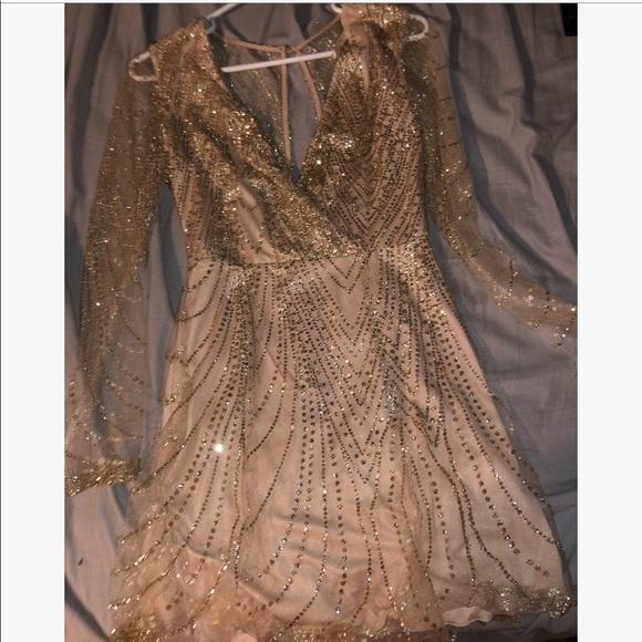 Dresses & Skirts - Sparkly long sleeve short dress